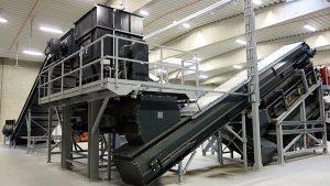 Der Grobzerkleinerer lässt sich auch in Komplettanlagen integrieren (Foto: Erdwich Zerkleinerungssysteme GmbH)