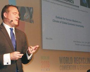 """Jason Schenker: Der Anstieg der Stahlpreise wird nicht von Dauer sein;  die Welt befindet sich in einer """"Rezession des Vertrauens"""" (Foto: B. Weber)"""