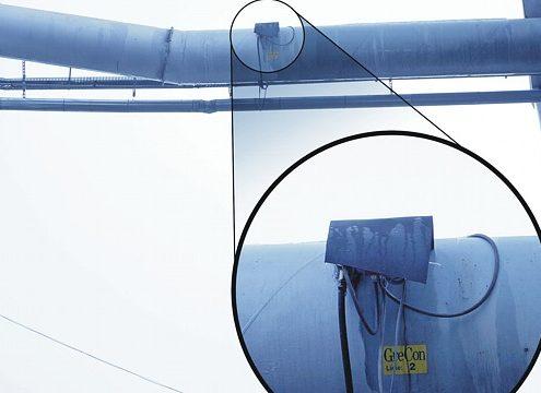 Die hochsensiblen GreCon-Funkenmelder FM 1/8 sind in der Absaugleitung angebracht und detektieren Funken und heiße Teile (Foto: Fagus-GreCon Greten)