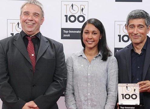 Peter Wiemann (LWT-Geschäfsführer), Kristina Koster (Marketing) und Ranga Yogeshwar (TV-Moderator) bei der TOP 100 Verleihung (Foto: LWT)