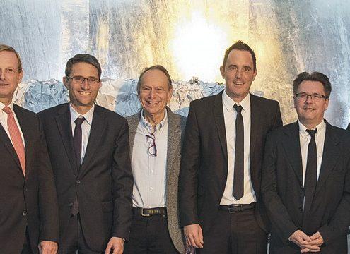Von links nach rechts: Dominique Maguin, Christophe Gence (Paprec Schweiz), Dr. Lukas Engelberger (Regierungsrat Basel-Stadt), Peter Lottner, Philippe Moser (Lottner AG), Ernst Hess (Lopatex AG), Jean-Luc Petithuguenin (Paprec Group), Andreas Masi (E. Müller AG) - Foto: Paprec Schweiz/Lottner AG
